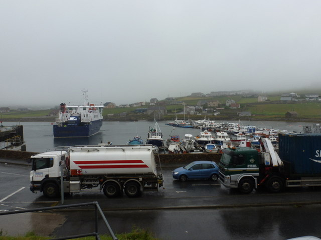 Symbister: ferry arriving