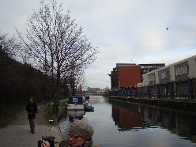 Looking back along the Hertford Union Canal to the confluence with the Lea Navigation