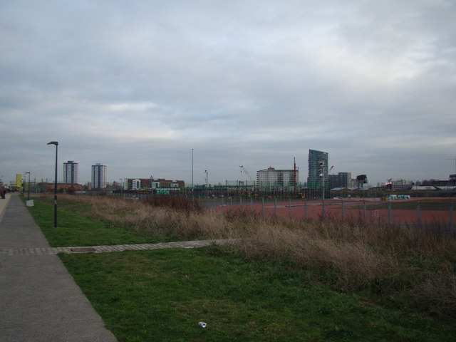 Towerblocks in Stratford, viewed from the Greenway #2
