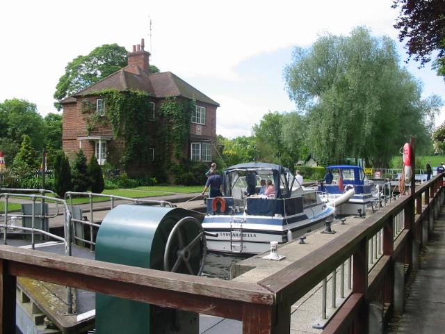 Shiplake Lock on River Thames