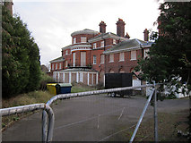 TQ1667 : Closed care home by Hugh Venables