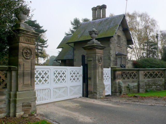 Guy's Cliffe Gate