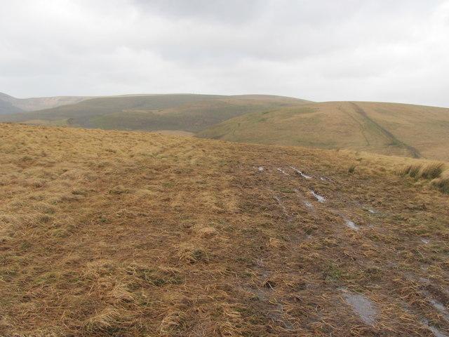 Wet tracks on Pant Blaenhirwr