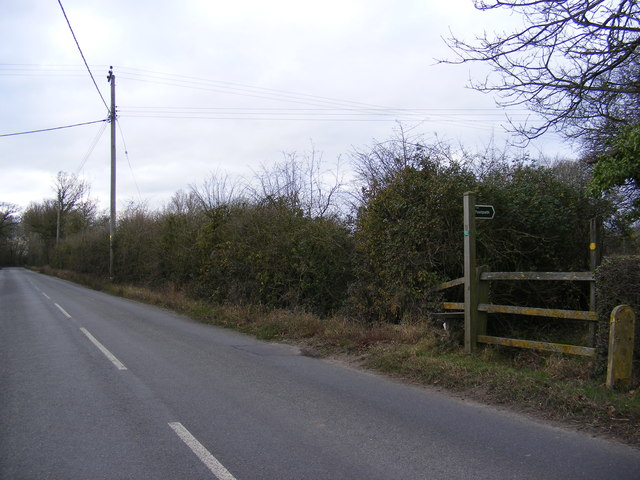 B1118 Wilby Road & the footpath to the B1118