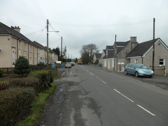 Entering Mollinsburn from the east