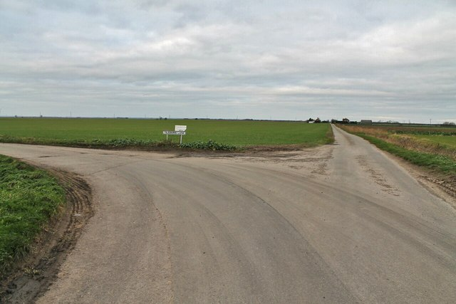 Junction of Tilebarn Lane and Timm's Drove