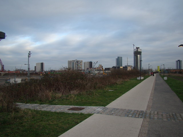 Towerblocks in Stratford, viewed from the Greenway #3