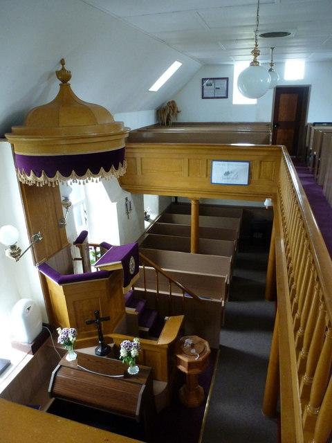 Lunna: church pulpit