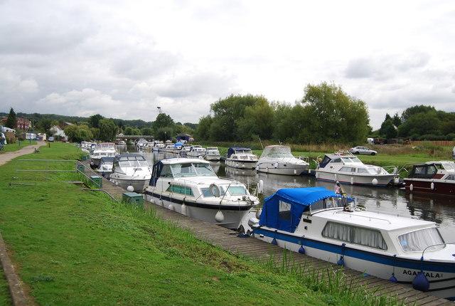 Boats moored at Wateringbury