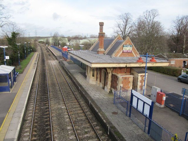 Looking down in the station