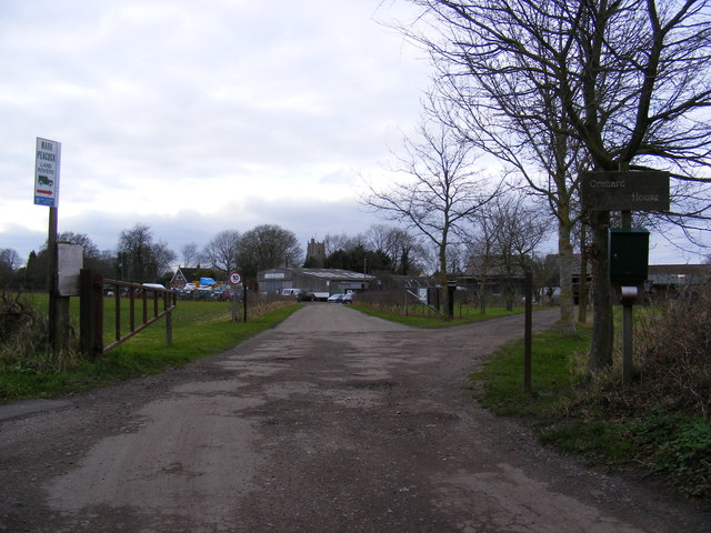 The entrance to Mark Peacock Land Rovers & Orchard House