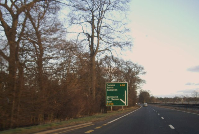 Approach to Glencarse Junction on A90