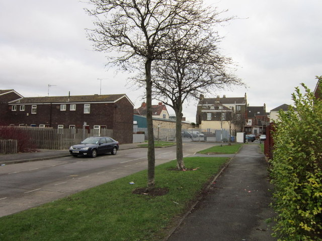 Cromwell Close towards Crosvenor Street