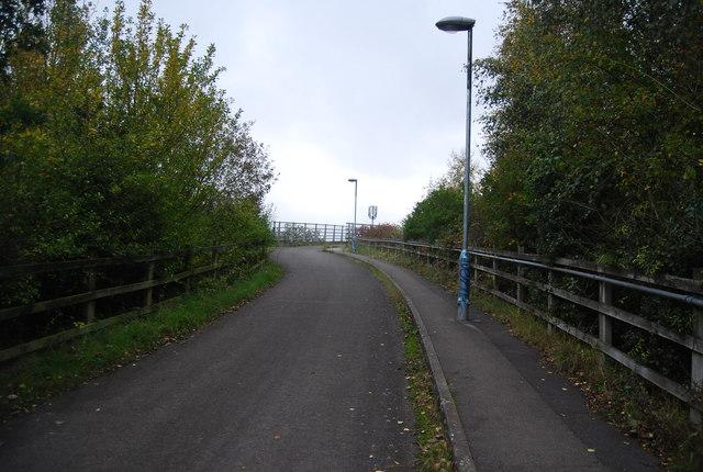 Path to Farnborough North