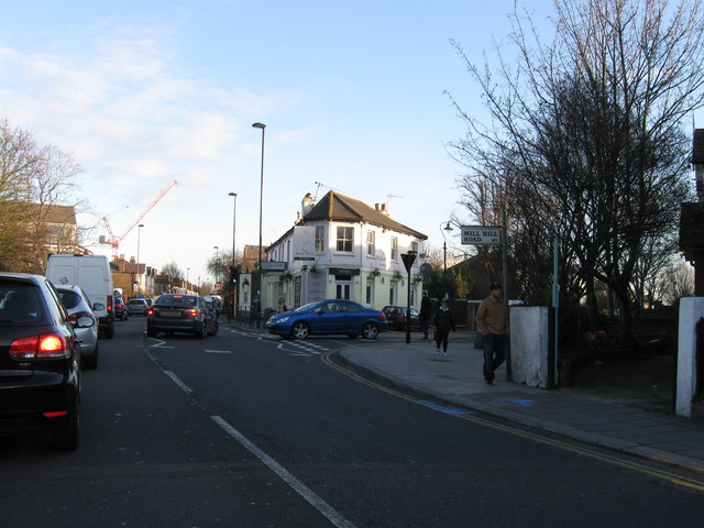 Mill Hill Road, Acton