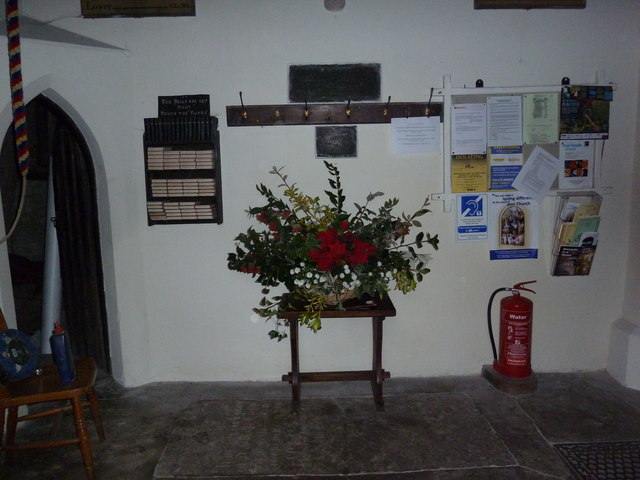 St James's, East Tisted- Christmas displays (a)
