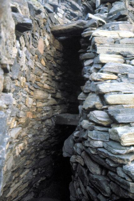 Dun Carloway Broch - 1981