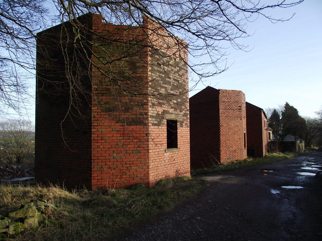 Derelict buildings at Clough House Farm