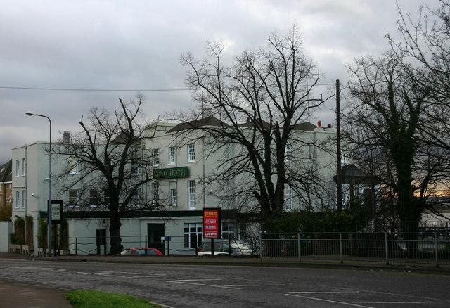 Royal Hotel, Purfleet