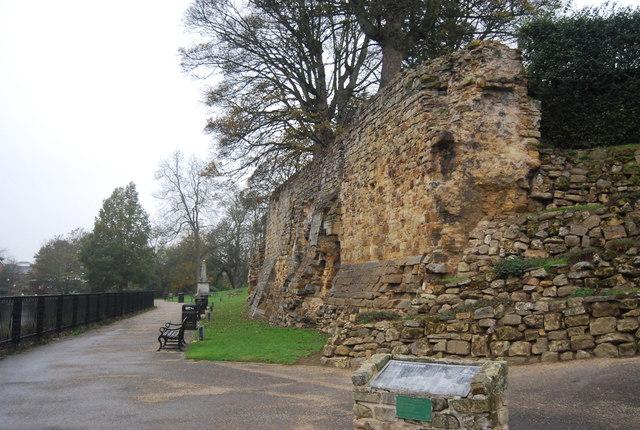 Tonbridge Castle Walls