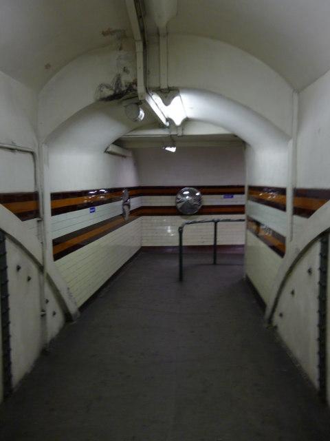 Corridor to platforms, Holloway Road Underground Station