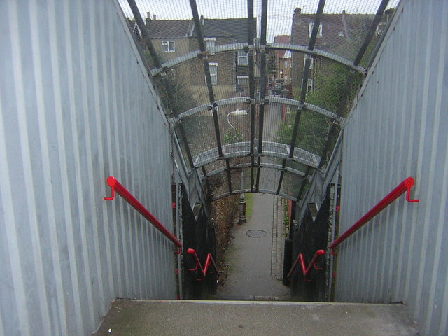 Railway footbridge, Bensham Manor Passage, Thornton Heath