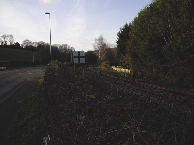 Railway alongside Caerphilly Rd, Rhiwderin