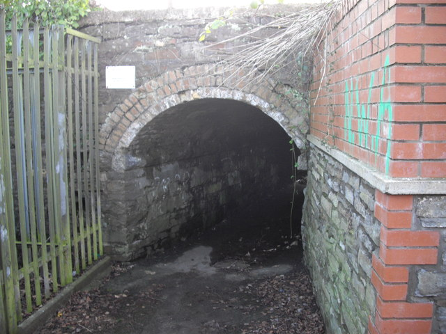 Entrance to foot tunnel beneath railway, Rhiwderin