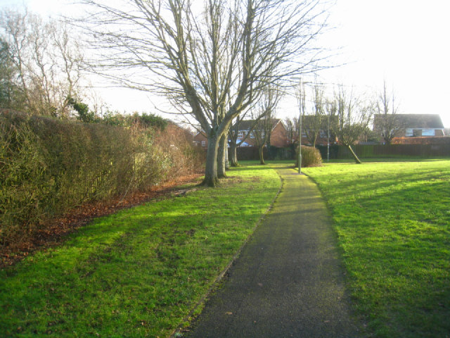Path near Gracemere Crescent