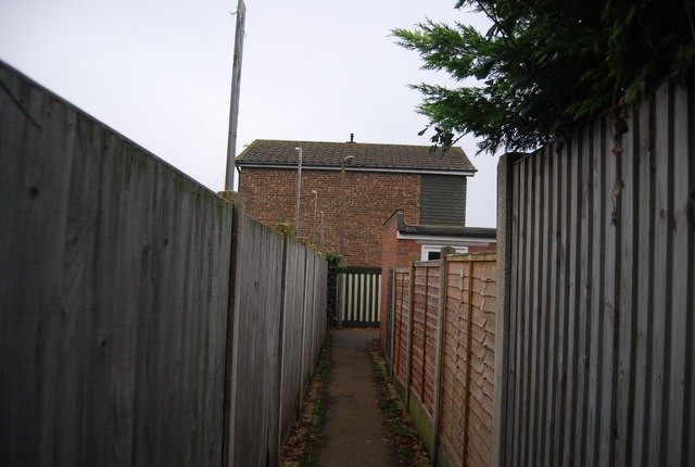 Footpath off Mill Lane