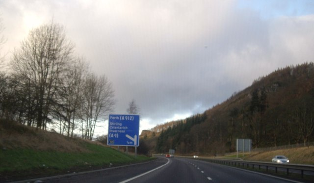 Approaching Junction 10 on M90 near Perth