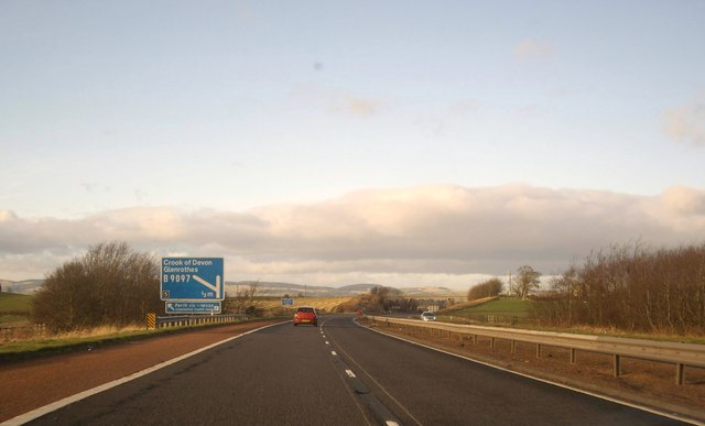 Approach to Junction 5 on A90