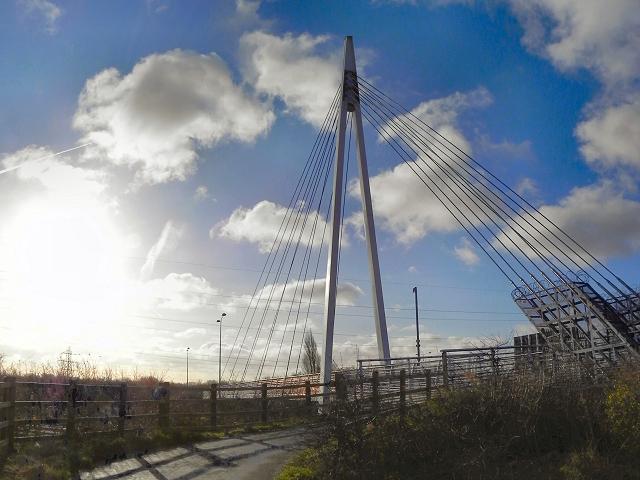 Trans-Pennine Trail, Suspension Bridge over the M60