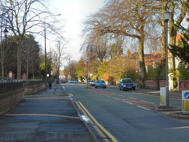 Northenden Road (B5166), Sale
