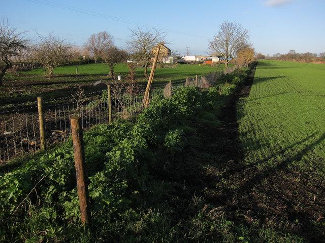Bridleway past De-Creke Farm