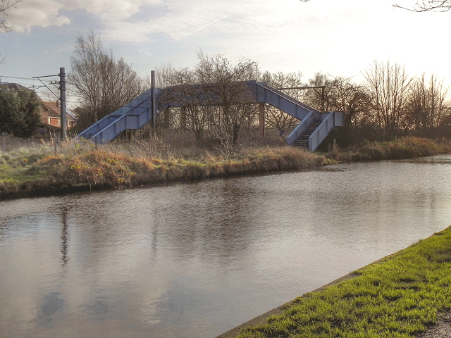 Footbridge over the Metrolink