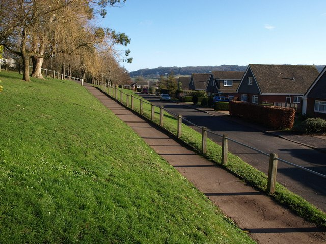 Path from Woolbrook Rise