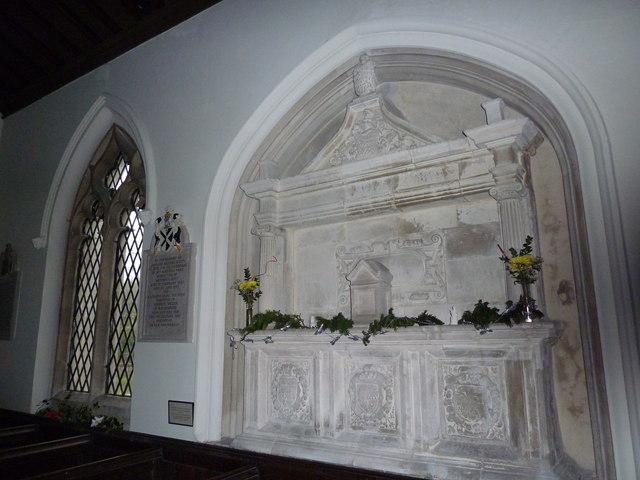St James's, East Tisted- Christmas displays (k)