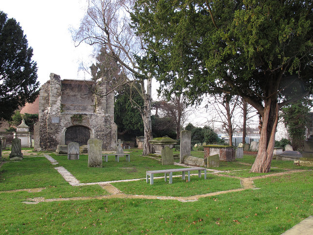 Outline of the old St Margaret's church