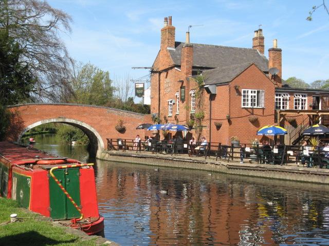 Barrow on Soar Navigation Pub & Grand Union Canal