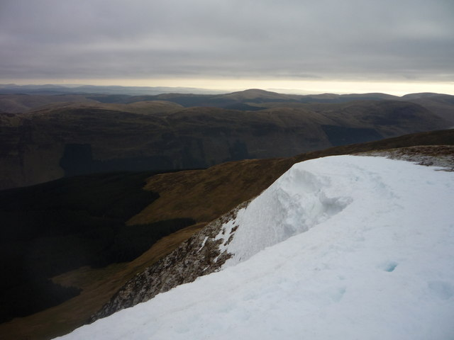 Snow Cornice on Coomb Craig, White Coomb