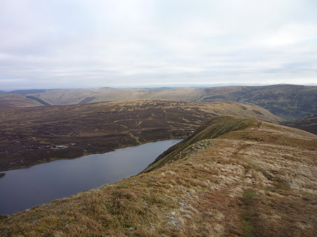 Descending Mid Craig above Loch Skeen
