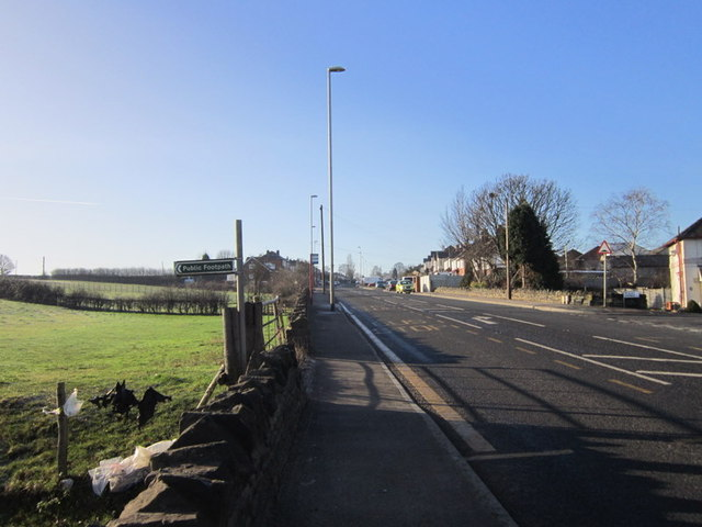 A footpath off Whitehall Road towards Wood End Farm