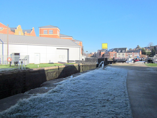 Worcester Diglis Top Lock, Frosty January