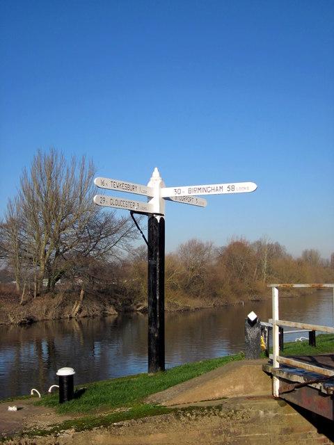 30 Miles To Birmingham - 58 Locks