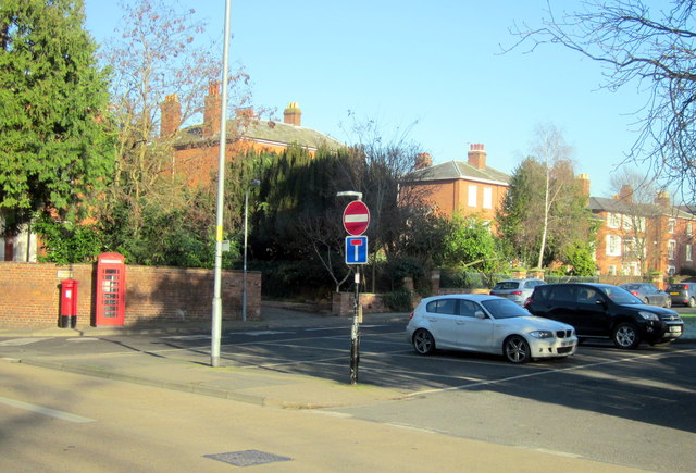 Worcester St Georges Square, Post Box, Pillar Box
