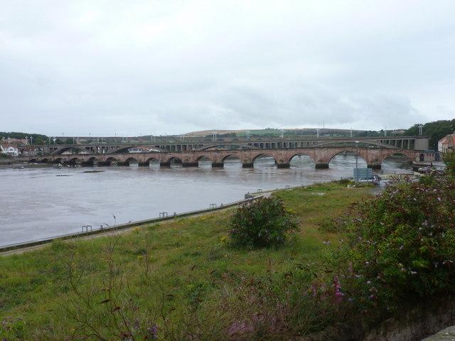 Berwick-upon-Tweed: bridges across the Tweed