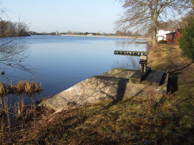 Sluice structure - Calf Heath Reservoir