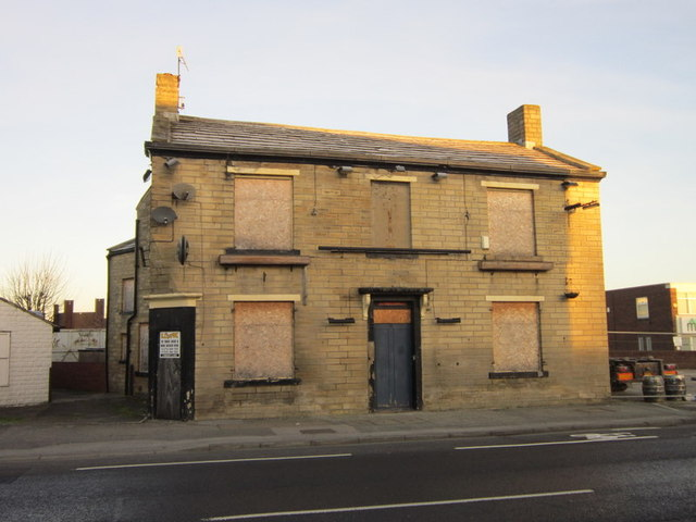 A unknown closed public house on Town Street