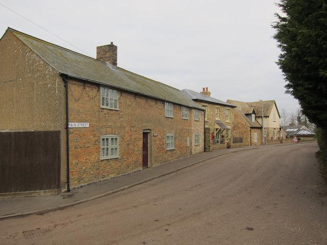 Main Street, Wardy Hill